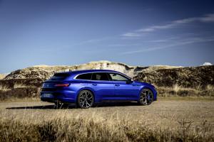 Arteon R и Arteon R Shooting Brake - вълнуващо съчетание от gran turismo и спортен автомобил
