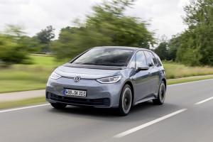 Volkswagen спечели около 70 000 нови клиенти с бестселъра ID.3 още през първата година