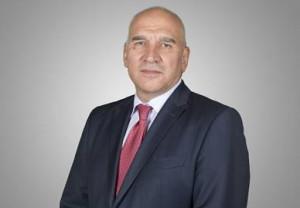 Левон Хампарцунян се оттегля от директорския пост в