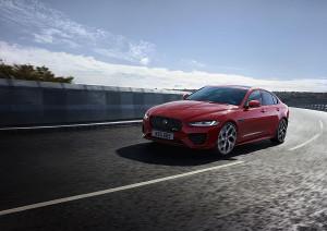 Новият Jaguar XE - изцяло нов интериор и интуитивни нови технологии