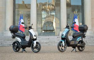 Елисейският дворец избра Peugeot e-Ludix за енергийния си преход